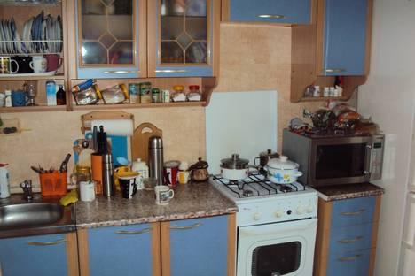 Сдается 2-комнатная квартира посуточнов Курске, 1-я Ламоновская, 2.