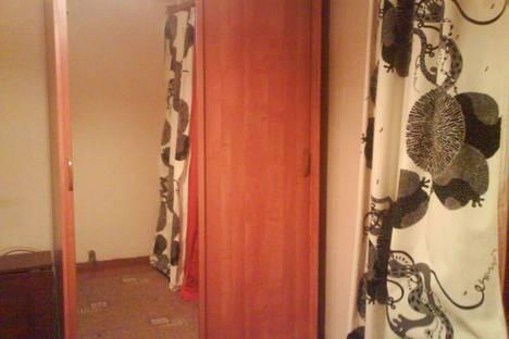 Сдается 2-комнатная квартира посуточно в Пушкино, ул. Писаревская,  д.3.
