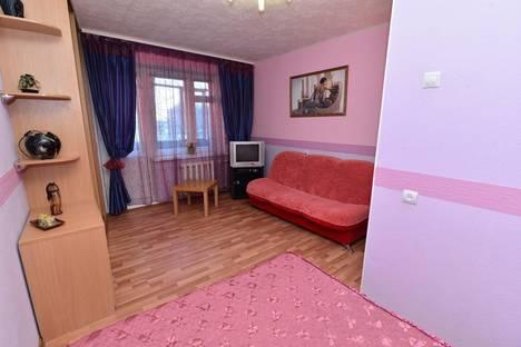 Сдается 1-комнатная квартира посуточнов Екатеринбурге, Серафимы Дерябиной, 30.
