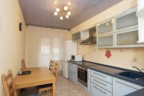 Сдается 1-комнатная квартира посуточнов Екатеринбурге, Крылова, 27.