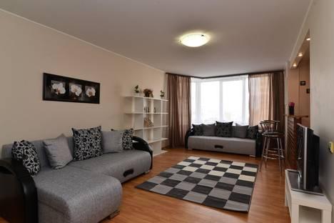 Сдается 2-комнатная квартира посуточнов Екатеринбурге, Маршала Жукова ,10.