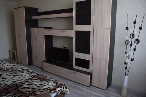 Сдается 1-комнатная квартира посуточнов Кстове, проспект Гагарина 99/2.