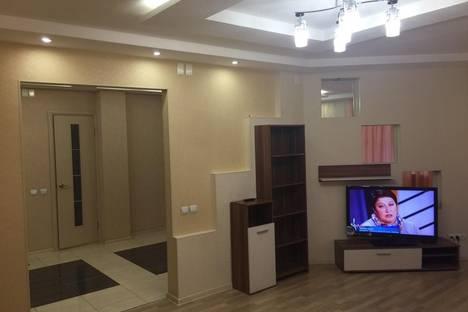 Сдается 2-комнатная квартира посуточно в Кирове, ул. Московская, 83.