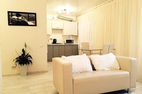 Сдается 1-комнатная квартира посуточно в Майкопе, Чкалова 82 первый подьезд.