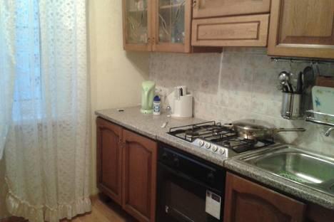 Сдается 1-комнатная квартира посуточно в Дубне, Энтузиастов, 3б.