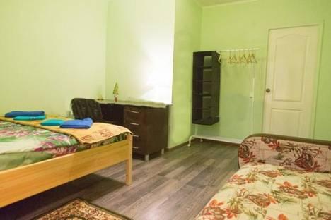 Сдается 3-комнатная квартира посуточно, ул. Рыбинская 30/30, отдельный вход с пр. Толбухина..