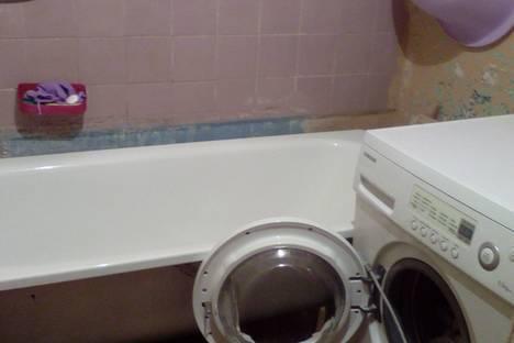 Сдается 1-комнатная квартира посуточнов Щёкине, улица Демьянова, 45.