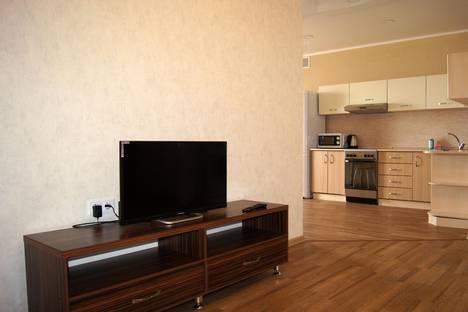 Сдается 2-комнатная квартира посуточно в Барнауле, Анатолия 35а.
