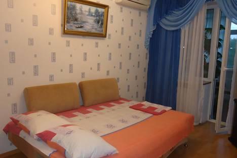 Сдается 2-комнатная квартира посуточно в Саки, пер.Курортный, 1.