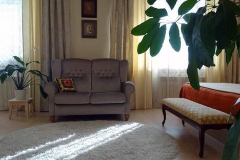 Сдается 1-комнатная квартира посуточно в Алупке, ленина, 18.