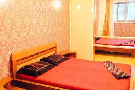 Сдается 3-комнатная квартира посуточно в Актау, 14 микрорайон 19 дом.