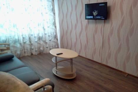 Сдается 3-комнатная квартира посуточно в Кировске, Олимпийская 21.