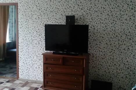 Сдается 2-комнатная квартира посуточно в Кировске, Мира 6.