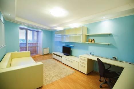 Сдается 3-комнатная квартира посуточно в Курске, ул.Советская, 12.