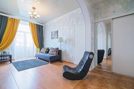 Сдается 2-комнатная квартира посуточнов Санкт-Петербурге, ул. Типанова, 3.
