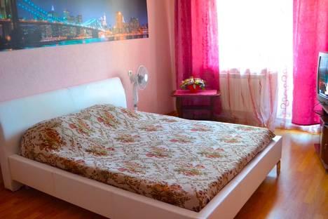 Сдается 1-комнатная квартира посуточно в Белгороде, ул. Гостенская, 12.