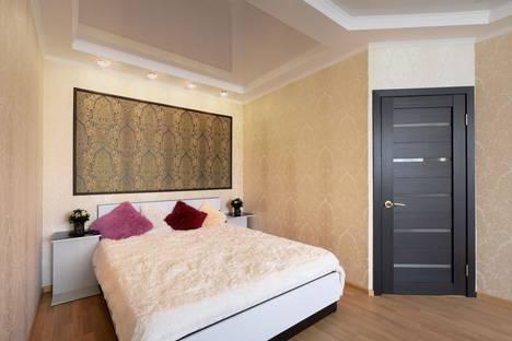 Сдается 2-комнатная квартира посуточно в Орле, Революции, 3к1.
