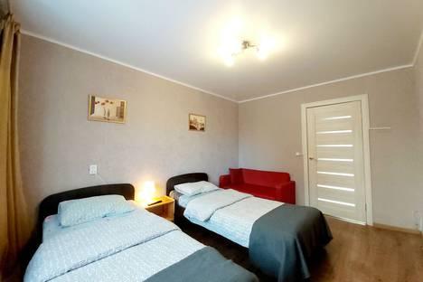 Сдается 3-комнатная квартира посуточно в Магнитогорске, проспект Ленина, 136/3.