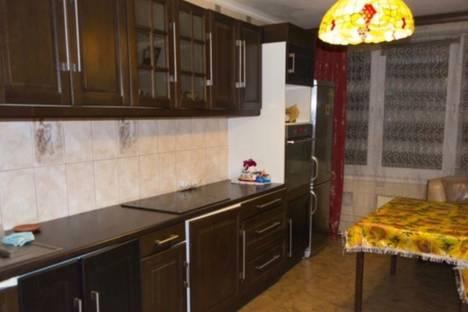 Сдается 3-комнатная квартира посуточно в Звенигороде, Ул. Пронина дом 2.