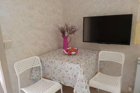 Сдается 2-комнатная квартира посуточно в Адлере, пер. Богдана  Хмельницкого, 14а.