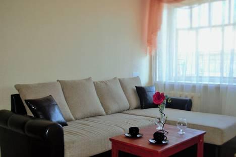 Сдается 2-комнатная квартира посуточно в Тольятти, ул. Советская, 53.