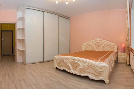 Сдается 1-комнатная квартира посуточно в Казани, Нигматуллина, 3.