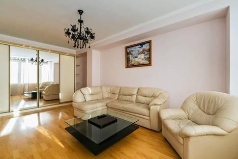 Сдается 3-комнатная квартира посуточнов Москве, Новый Арбат 16.