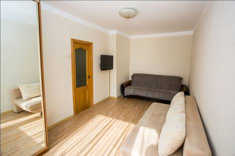 Сдается 1-комнатная квартира посуточно во Владивостоке, 1-я Морская 8.