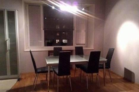 Сдается 2-комнатная квартира посуточно в Архангельске, Поморская, 26.