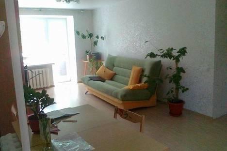 Сдается 2-комнатная квартира посуточно в Архангельске, Поморская, 44.