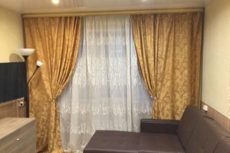Сдается 2-комнатная квартира посуточно в Мурманске, ул. Октябрьская, 30.