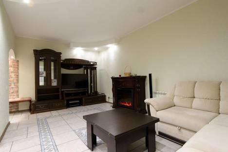 Сдается 3-комнатная квартира посуточно в Ярославле, ул. Собинова, 42.