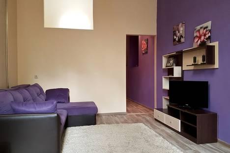 Сдается 2-комнатная квартира посуточнов Ярославле, ул. Ушинского, 32.