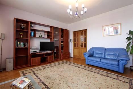 Сдается 2-комнатная квартира посуточнов Ярославле, ул. Свободы, 18, корп.2.