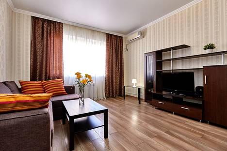 Сдается 1-комнатная квартира посуточно в Краснодаре, ул. Казбекская, 7.