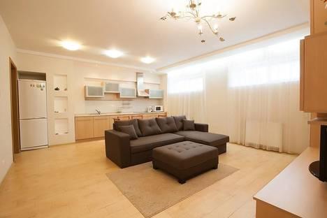 Сдается 2-комнатная квартира посуточно в Светлогорске, ул. Аптечная, 8.