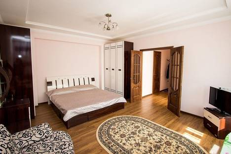 Сдается 1-комнатная квартира посуточно в Астане, ул.Сауран д.3/1.