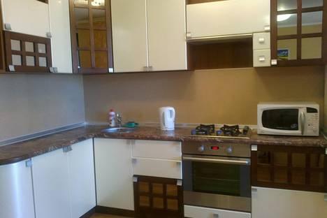 Сдается 1-комнатная квартира посуточнов Омске, проспект Комарова, 19.