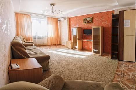 Сдается 1-комнатная квартира посуточнов Тюмени, ул. Мельникайте, 125Б.