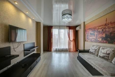 Сдается 1-комнатная квартира посуточно, Проспект Революции 9а.