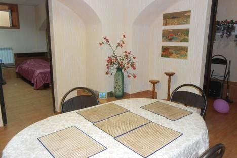 Сдается 4-комнатная квартира посуточно в Пятигорске, Карла маркса 3.