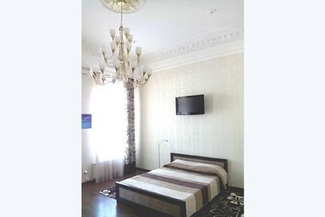 Сдается 1-комнатная квартира посуточно в Ялте, набережная имени Ленина,15.