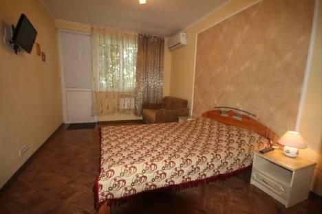Сдается 1-комнатная квартира посуточно в Алупке, ул. 1 Мая, 9.
