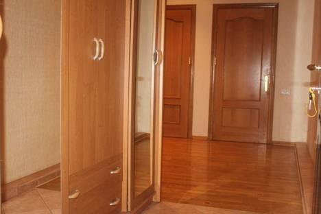 Сдается 2-комнатная квартира посуточно в Ялте, Морская улица, 18.
