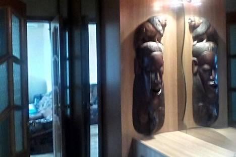 Сдается 2-комнатная квартира посуточно в Новороссийске, улица Толстого, 19.
