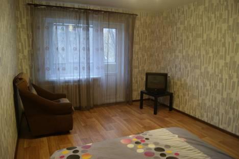 Сдается 1-комнатная квартира посуточнов Череповце, Комсомольская улица, 19.