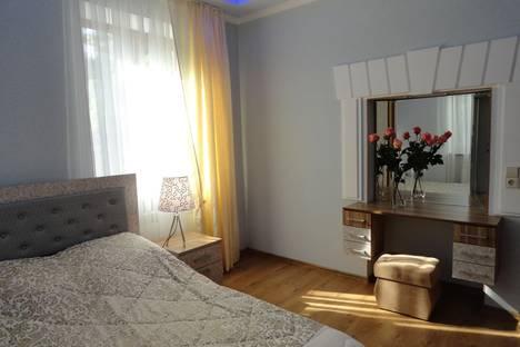 Сдается 2-комнатная квартира посуточнов Ливадии, улица Садовая, 23.