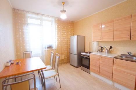Сдается 3-комнатная квартира посуточно в Красноярске, улица Алексеева, 21.