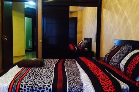 Сдается 2-комнатная квартира посуточно, ул. Вахтанга Бочоришвили, 37.