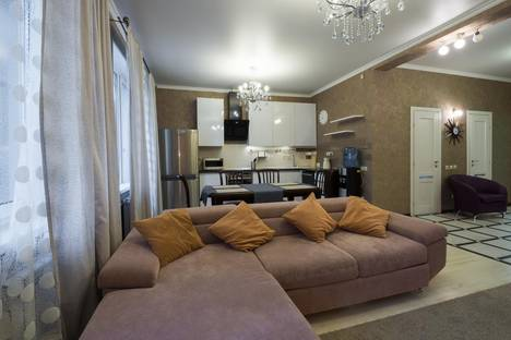 Сдается 3-комнатная квартира посуточно в Челябинске, проспект Свердловский, 88.